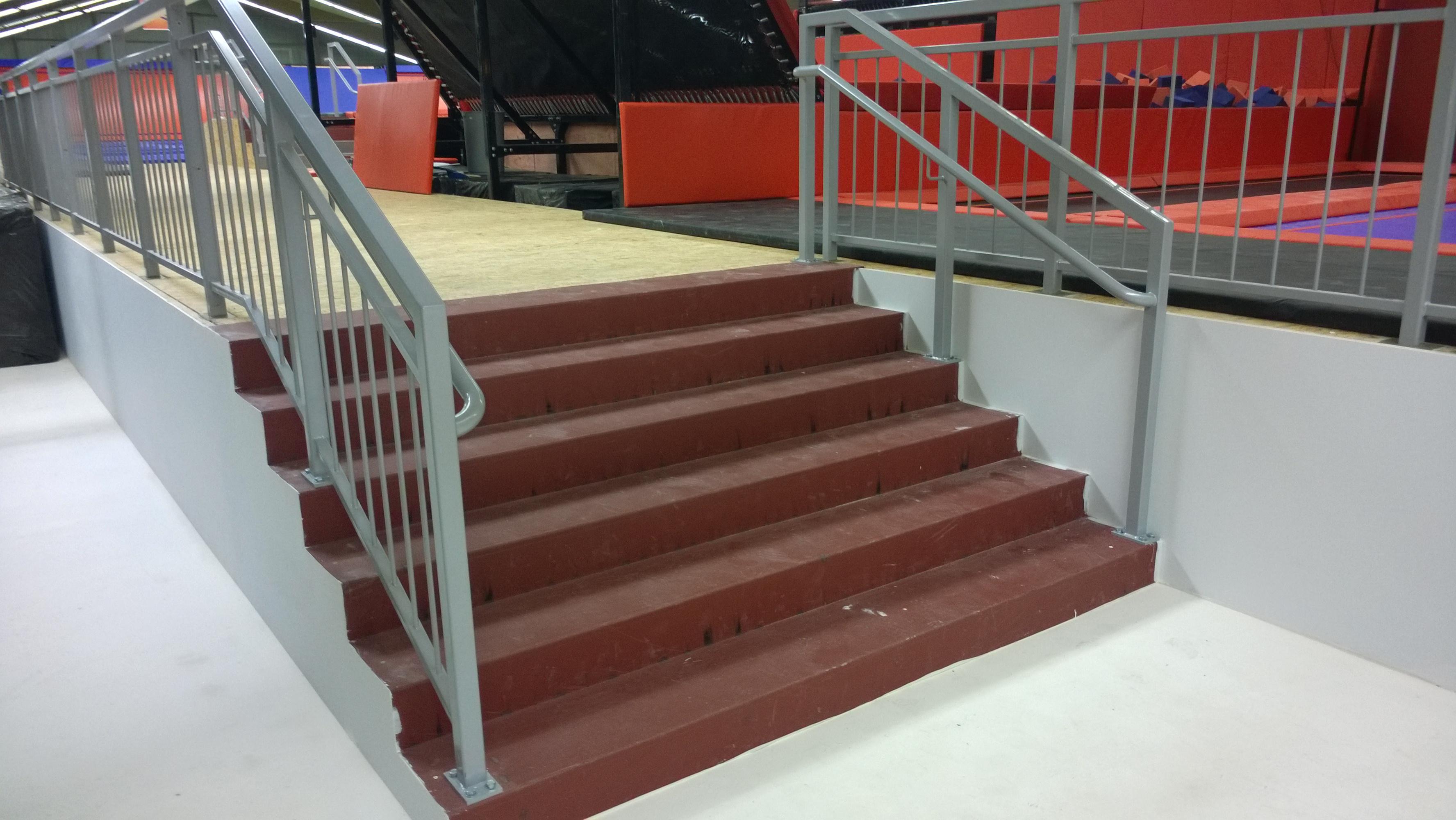 Stahltreppe mit Geländer